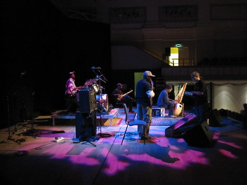 Toumani soundchecking in Birmingham 2
