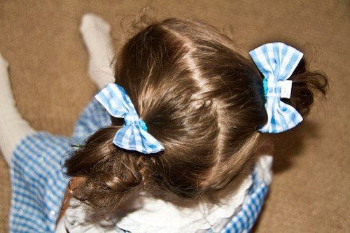 her bows