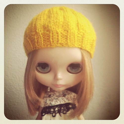 New hat finished last night! I will add some buttons for a more finished touch tonight ;)