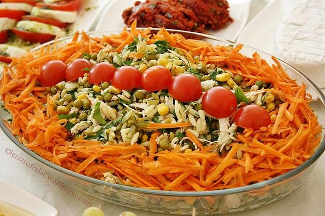 tavuklu sehriyeli salata