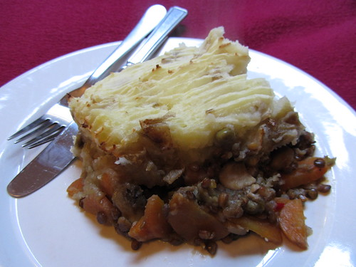 cottage pie, serving