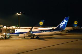 ANA Boeing 767-300ER; JA622A@SIN;12.08.2011/618ay