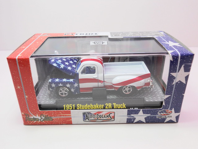 m2 auto dreams patriot release boxed 1951 studebaker 2r truck red white n blue (1)