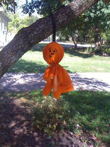 hanging pumkins/ghosts