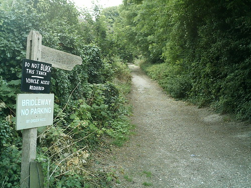The start of the walk: leaving Kingsclere