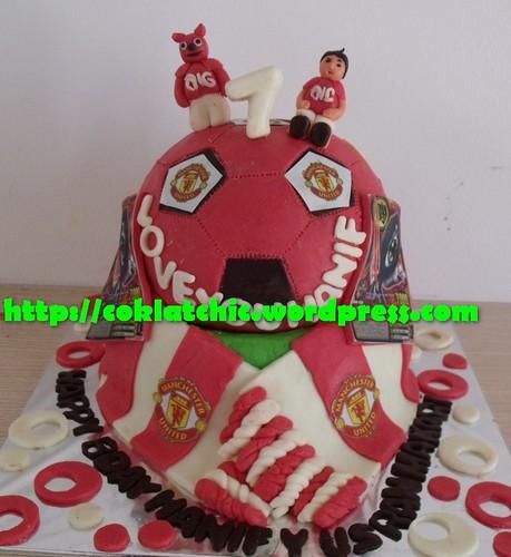 Cake Manchester United dan animal kaiser hanif yusran makarim