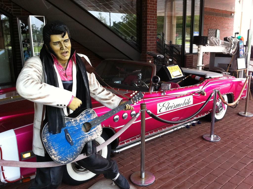 Elvismobile 1