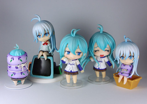 Various mini-figurines of Touwa Erio