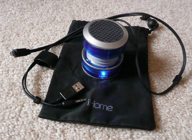 iHome mini speaker, expandable speaker for iPad, iPhone, laptop, MP3 player