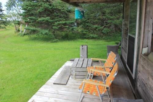 Side porch