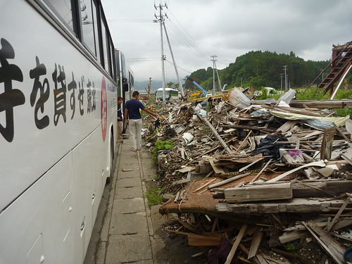 被災地ボランティア(陸前高田市米崎町) Japan Quake Volunteer Bus to Tohoku (northeastern) region