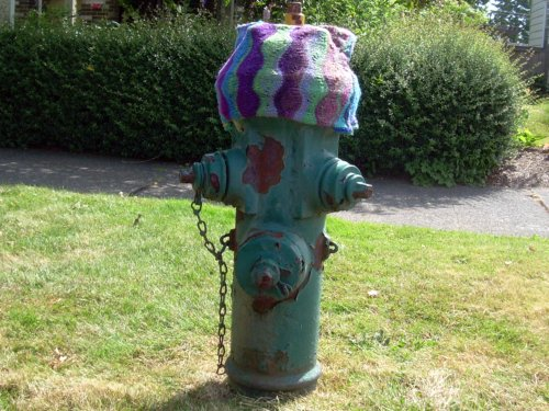 Hydrant with hat