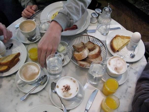 cafesabarskytable