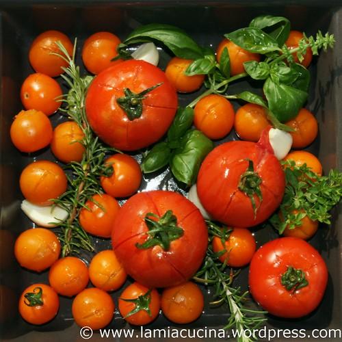 adolf w lfli tomatensuppe mit knusperspeck lamiacucina. Black Bedroom Furniture Sets. Home Design Ideas