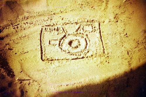ho fatto una Holga sulla sabbia ... by biondapiccola