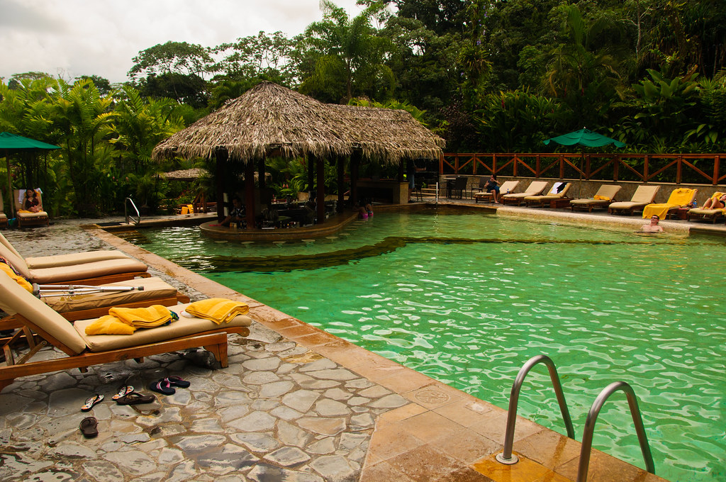 The swimming pool and bar at Tabacon