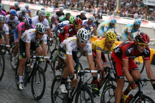 A Festival of Yellow - Cadel Evans