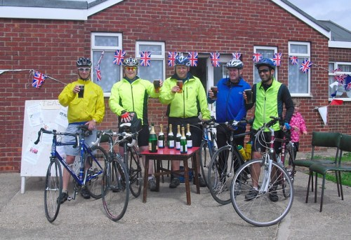 Morecambe to Paull cyclists