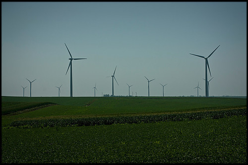 Windmills at the Adair Windmill Project (Iowa).