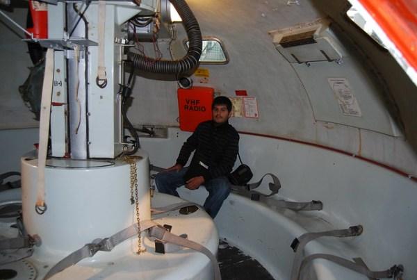Pau en una cabina submarina del museo del petróleo de Stavanger