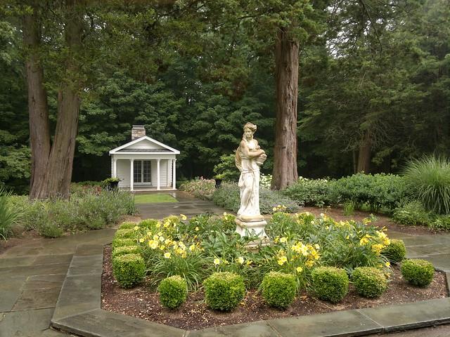 Cranbury Park Gardens, CT