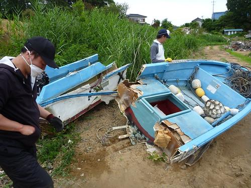 瓦礫撤去ボランティア(陸前高田市小友町) Japan Quake Reconstruction Volunteer at Rikuzentakata, Iwate pref.