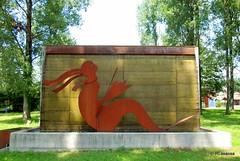 Una lamia en el Parque Museo de Xabier Santxotena