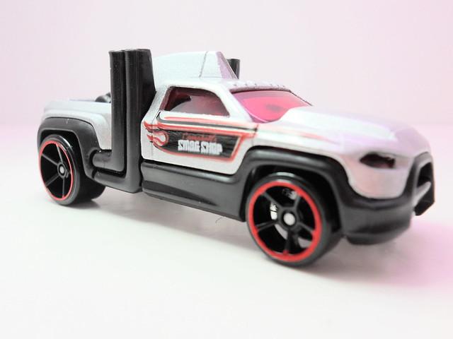 hot wheels diesel duty (2)