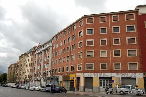 Edificios de viviendas en la Avenida de Galicia, esquina con la calle Tafalla.