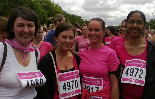 LEYF team race for life