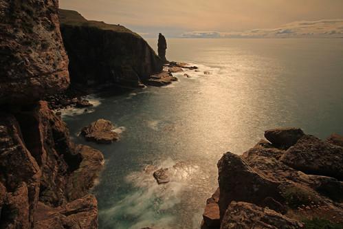 Distant Sea Stack. by gordie broon.