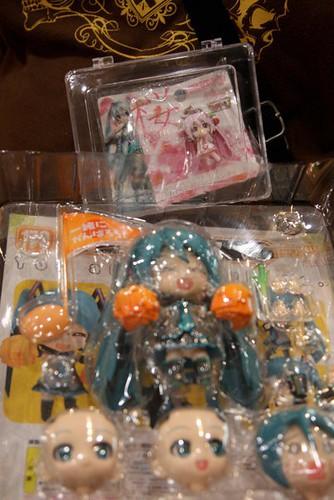 Nendoroid Hatsune Miku: Support version being unboxed