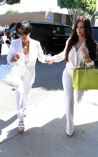 Kim Kardashian and mom at Vera Wang