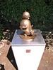 オバQ銅像