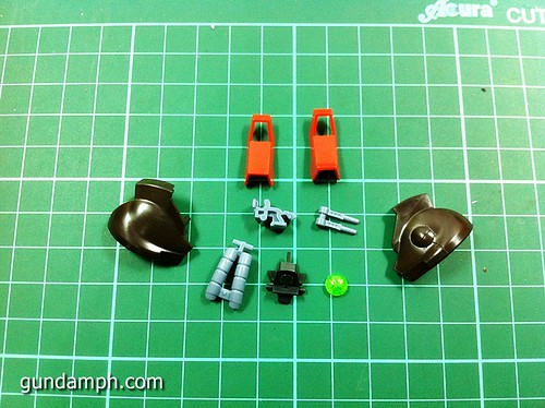 MG Rick Dias Quattro Custom RED Review OOB Build (12)