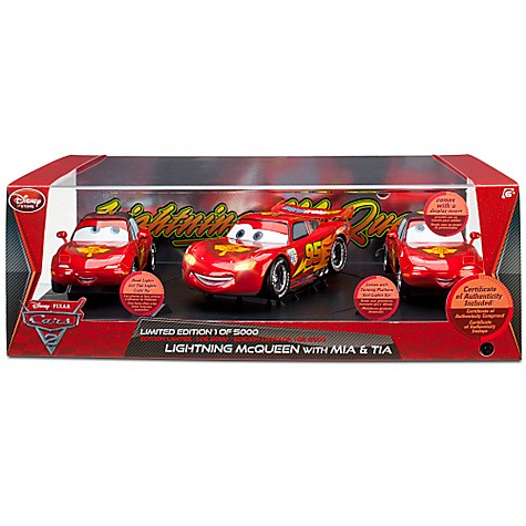 disney store cars 2 lightning mcqueen mia and tia exclusive set (4)