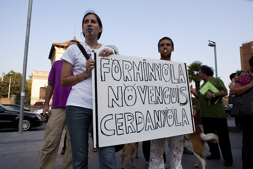 Protesta per exigir el desmatellament de l'abocador de Can Planas