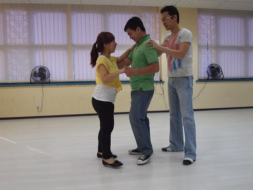 Singapore Lifestyle Blog, Lifestyle Blog, Singapore blog, Lifestyle Blogger, nadnut, Dance lessons, Dance classes, Where to take dance classes in Singapore?, Mosaic Dance, Attitude Dance Studio, Salsa, West Coast Swing, West Coast Swing classes in Singapore