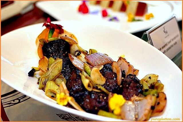 beef tenderloin with pistachio