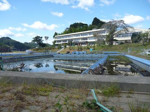 小友小学校, 陸前高田市小友町で震災ボランティア(レーベン隊) Volunteer at Rikuzentakata, Iwate pref. Deeply Affected Area by the Tsunami of Japan Earthquake
