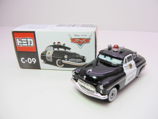 disney cars tomica c-09 sheriff (2)