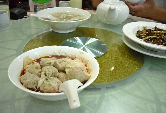 Food shots at Wing Lai Yuen dumplings