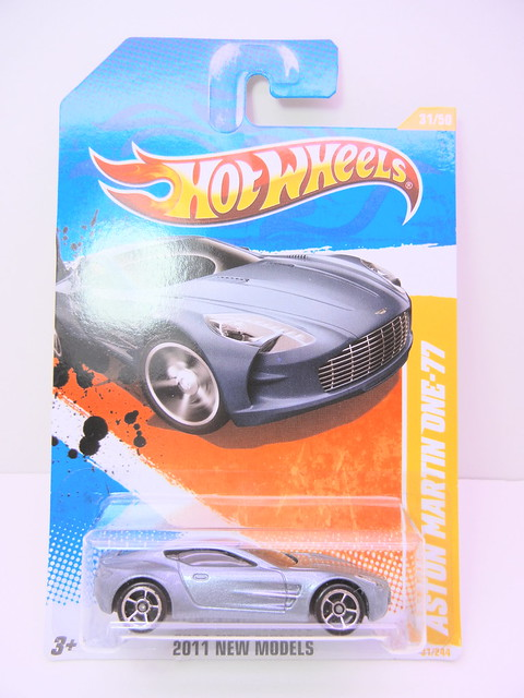 hot wheels aston martin one-77 (1)