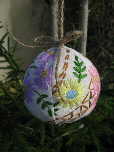 Floral xmas tree decoration