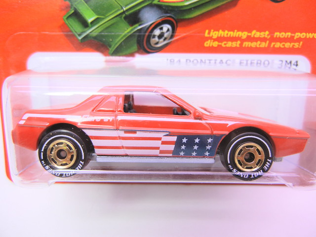 hot wheels hot ones '84 Pontiac Fiero 2m4 CHASE WHITE WALLS (2)