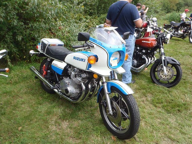 Suzuki GS 1000 S ... the past is calling and it wants the future back