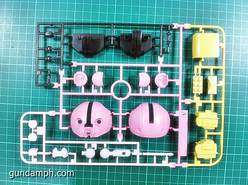 144 HG GB Pink Bearguy Gundam Expo Limited Edition (6)