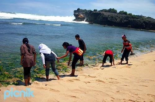 Krakal Beach, October 15, 2011 by suwartonog1