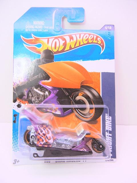 hot wheels fright bike purple (1)