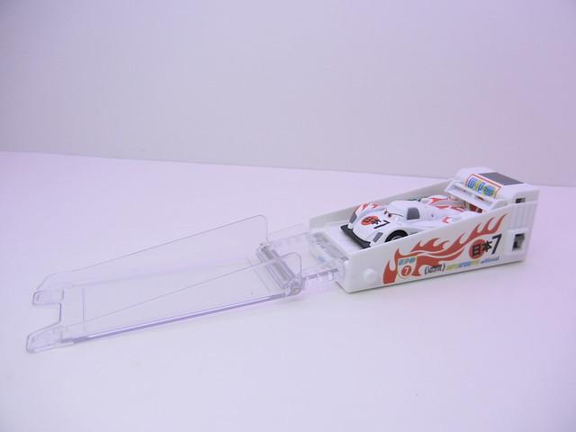 disney cars 2 tomica shu todoroki launcher (2)